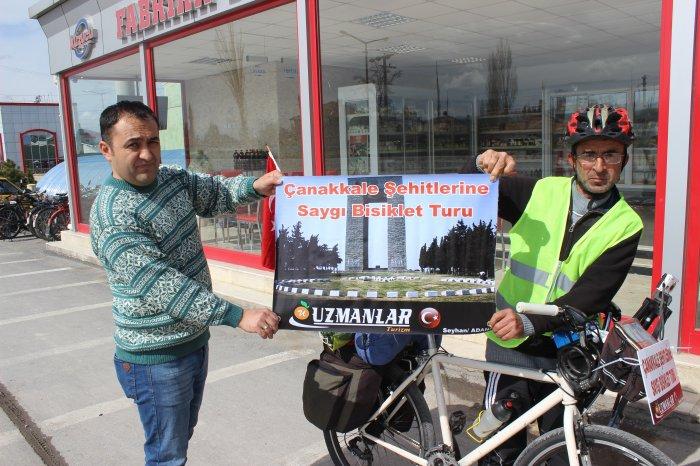 Seyyar satıcı şehitlere saygı bisiklet turu yapıyor