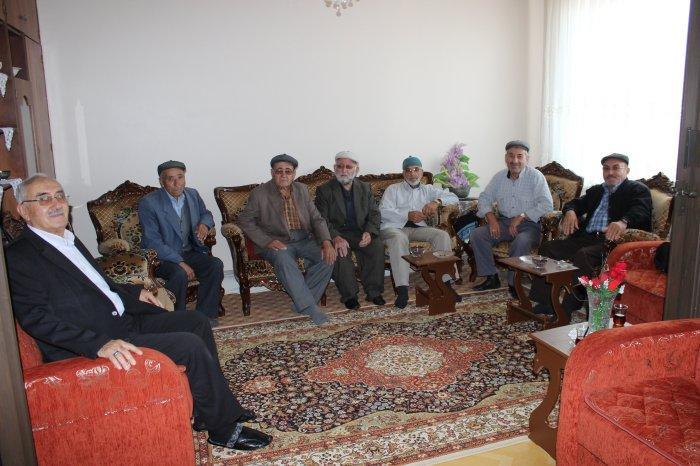 Hacılara ziyaretler sürüyor
