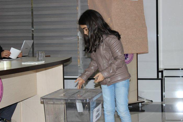 Öğrenci Meclis başkanı seçildi